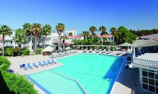 Почивка в LA HOTEL 4*